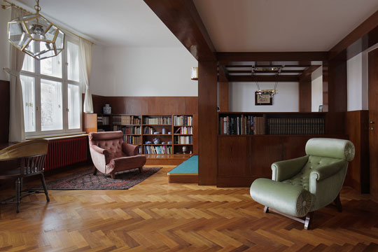 The Richard Hirsch Apartment Is Located In Old Jewish Quarter Close To And Overlooking Cemetery New Synagogue Prague