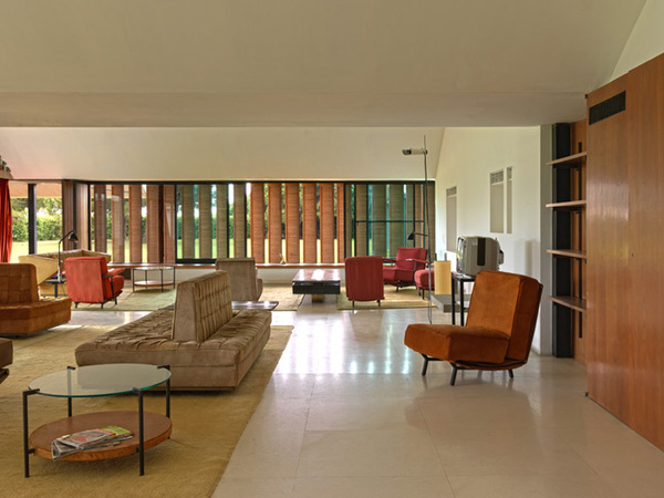 Icon at Risk: Casa Gomis / La Ricarda - Iconic Houses